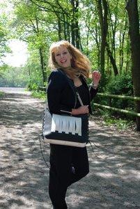 Leren tas met korsetsluiting Zwart-Wit