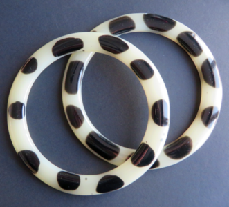 Tashengsels zwart wit rond